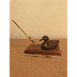 Carved Duck Pen Display